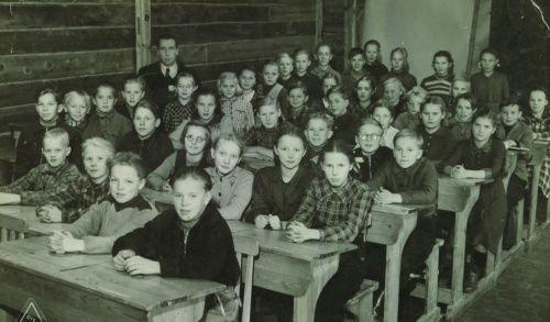 Koulukiusaa ja -kuria viiskymmentäluvulla